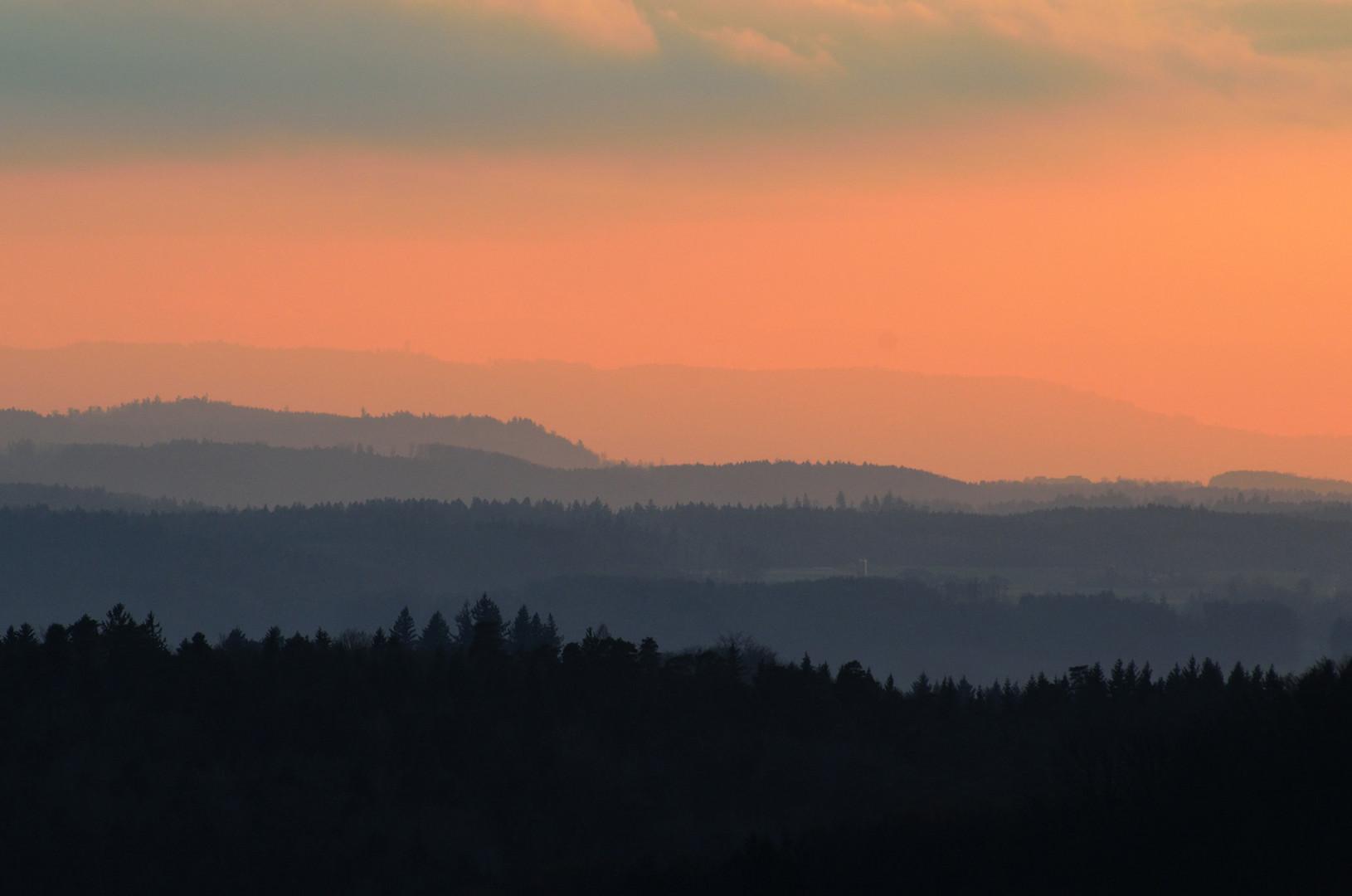 Relief - Schweizer Mittelland; kurz vor Sonnenuntergang