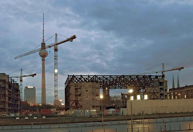 """Relikt vom """"Palast der Republik"""" am 11.Januar 2008"""