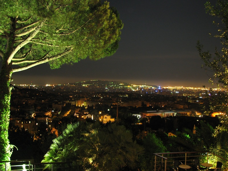 Reload - Barcelona bei Nacht