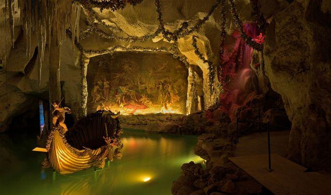 (Reloaded) König Ludwig II. liebte Grotten. Die künstliche Grotte mit Wasserfall im...