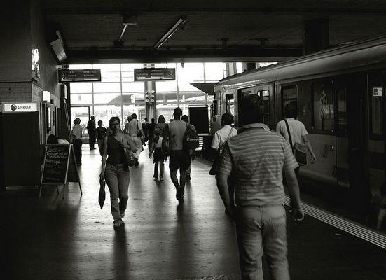 Rencontre sur un quai de gare