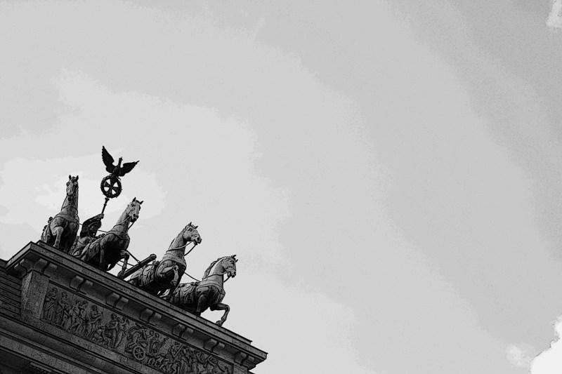 Renn' in die Ferne-Brandenburger Tor