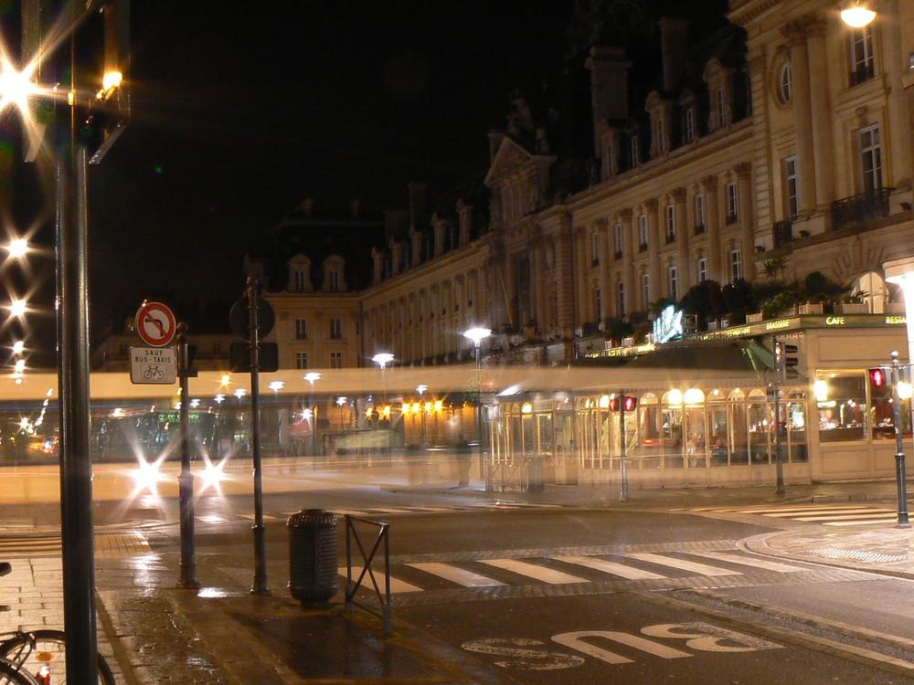 Rennes la nuit -