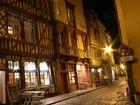 Rennes la nuit --