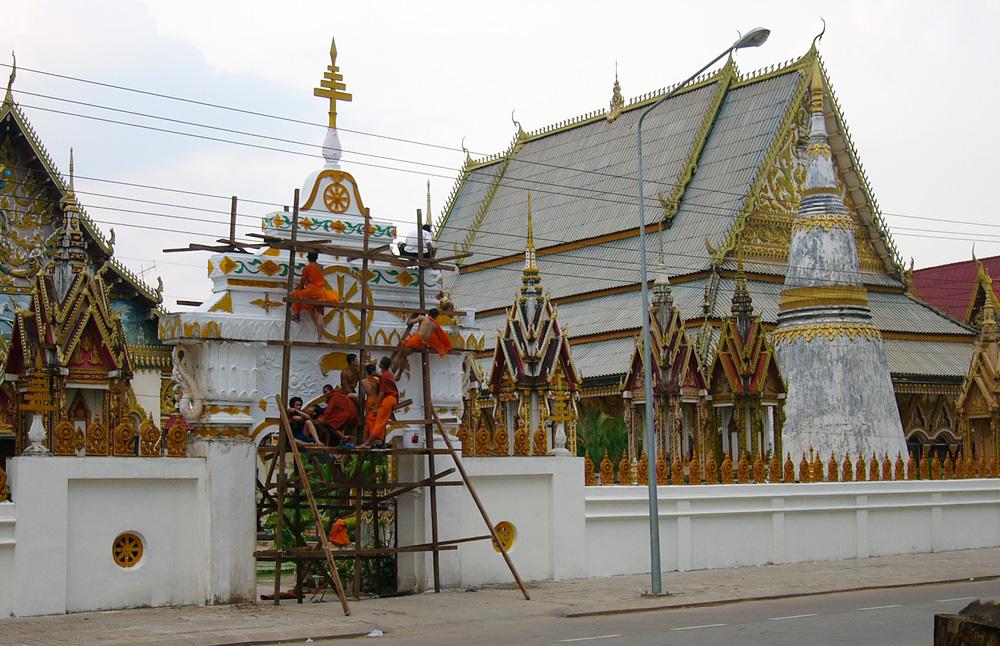 Renovierungsarbeiten an einem Wat