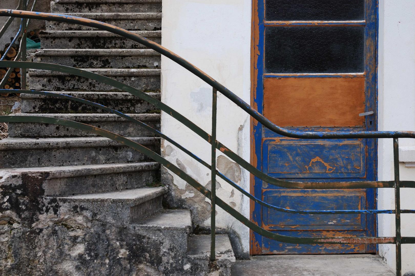 Reppenaufgang und Eingang bei Chouz