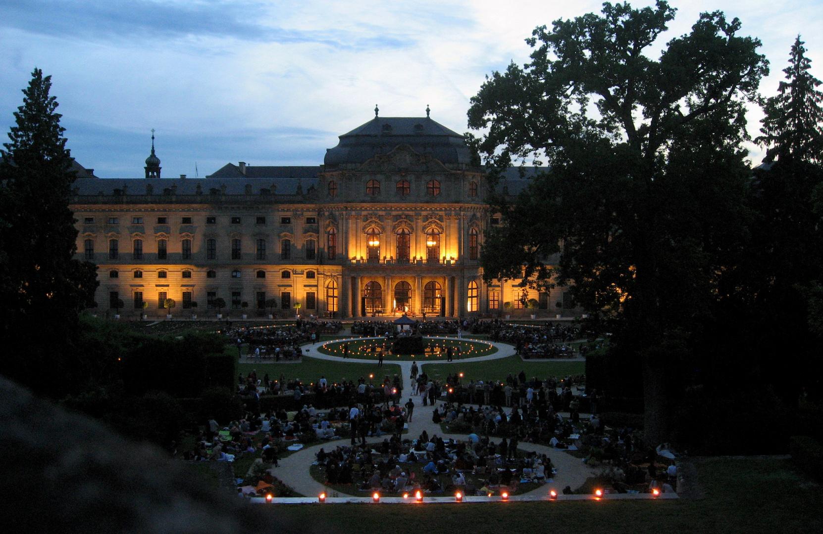 Residenz Würzburg HofgartenKonzert