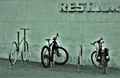 REST in Peace R-75sw +4RADfotos