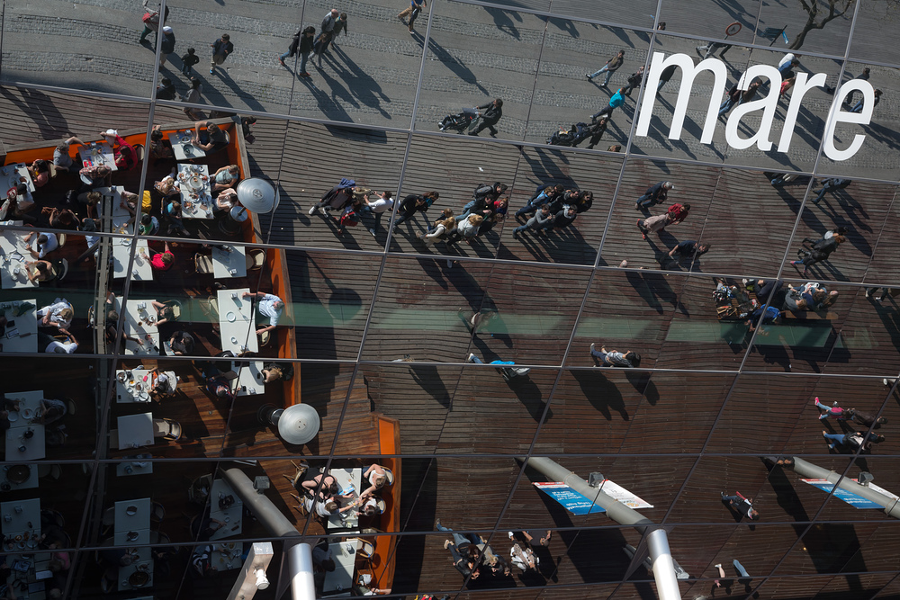 Restaurant dans le port de Barcelone