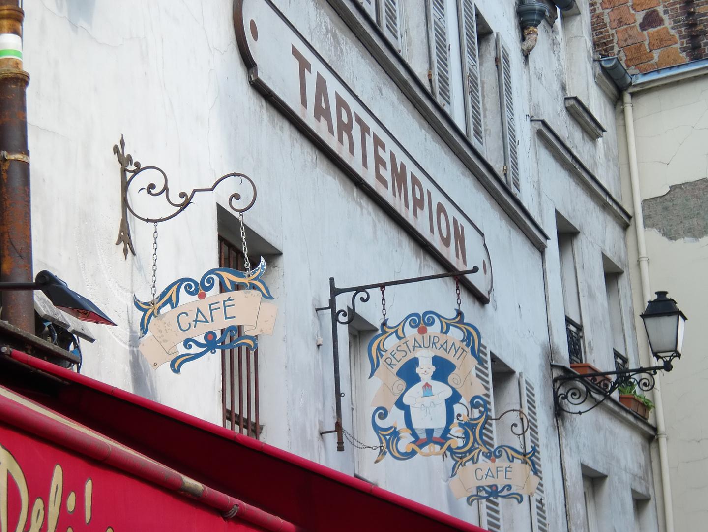 Restaurant - Schilder auf Montmartre in Paris