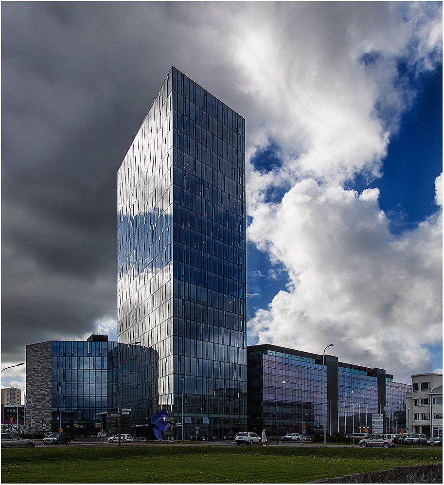 ... Reykjavik modern ...