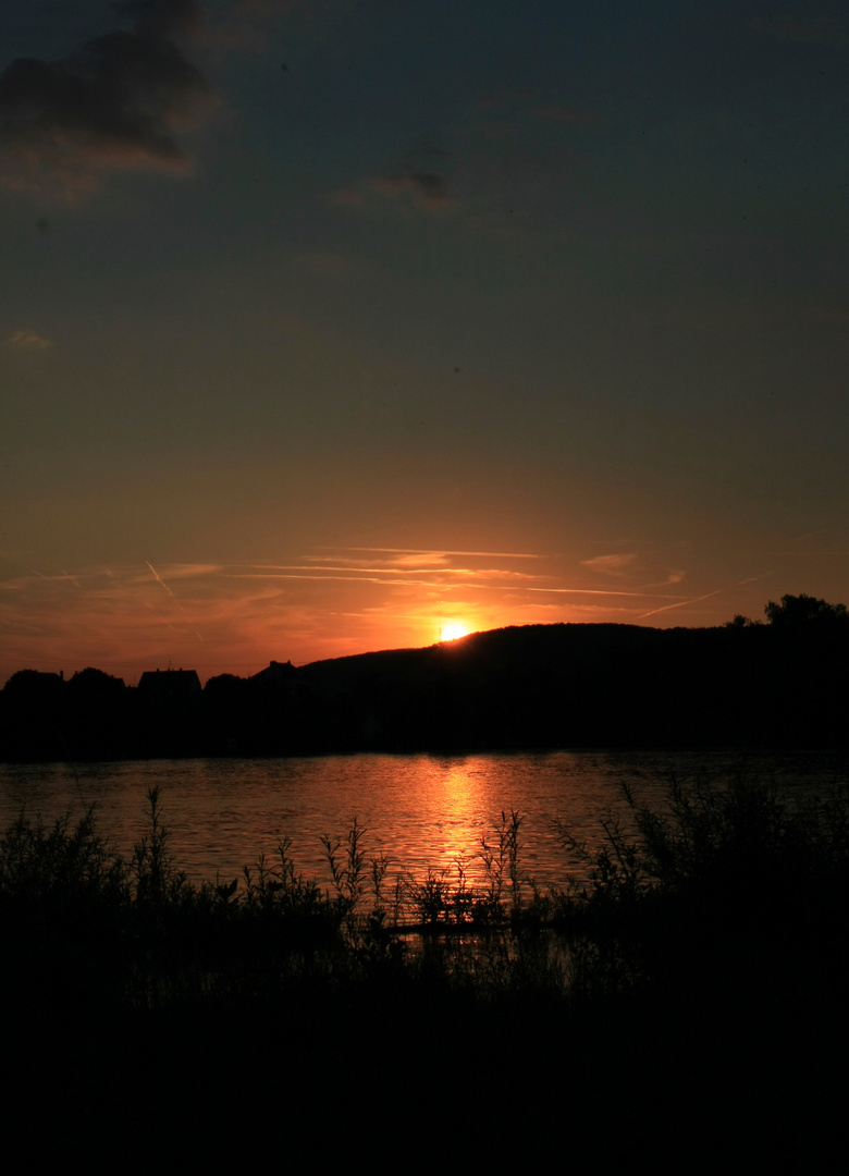 Rhein bei Sonnenuntergang