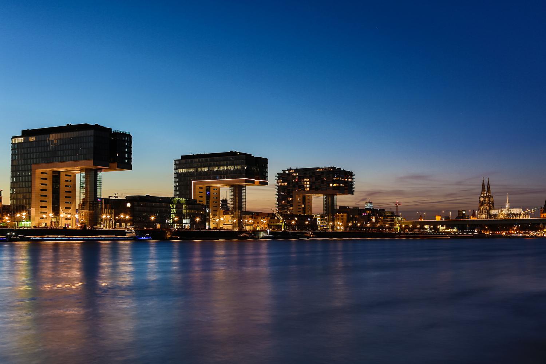 Rhein blaue Stunde
