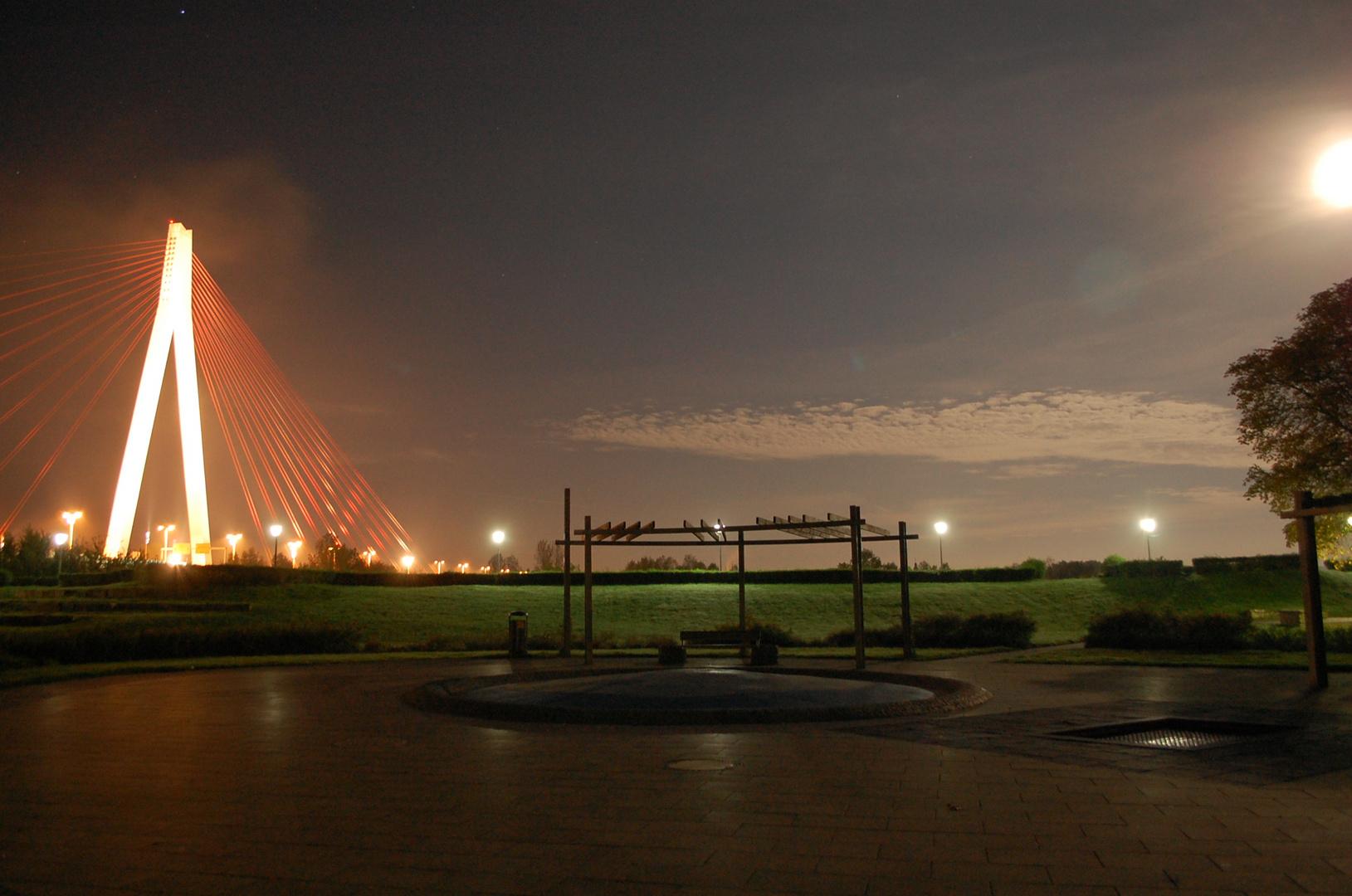 Rhein-Neuwieder-Brücke-Vollmond..
