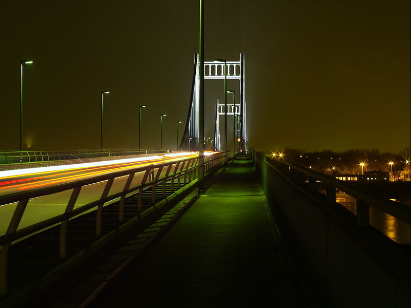 Rheinbrücke in Uerdingen