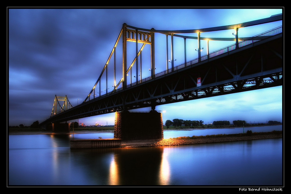 Rheinbrücke Krefeld Uerdingen ...
