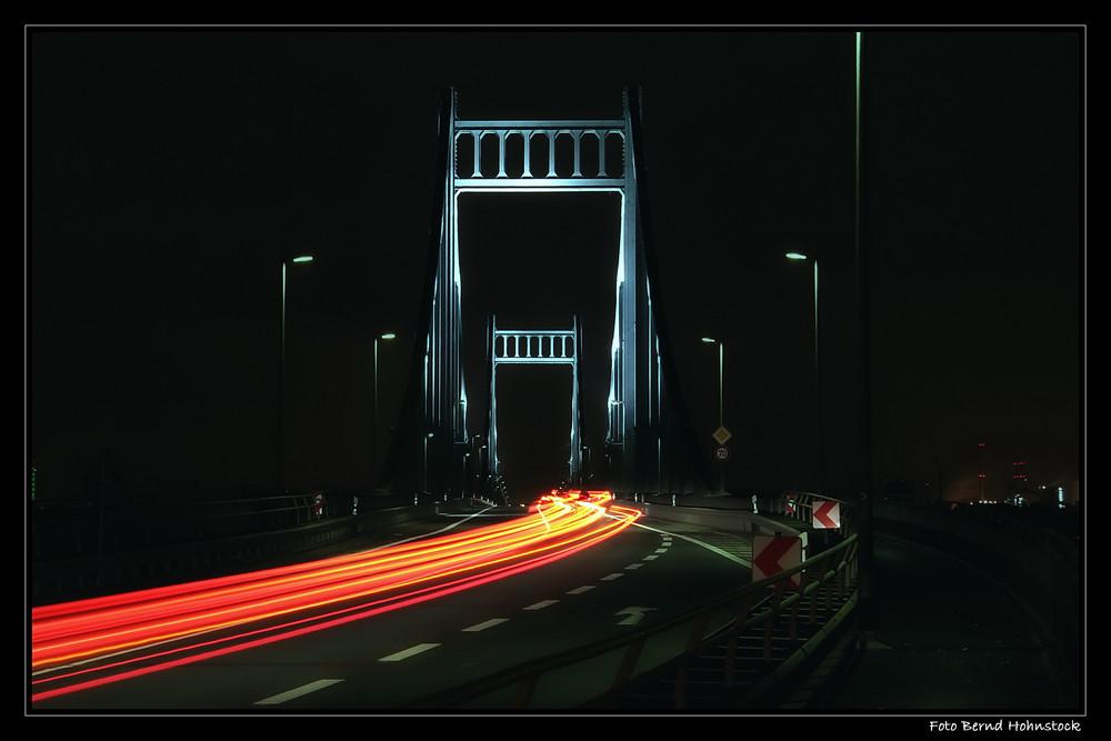 Rheinbrücke Uerdingen ....