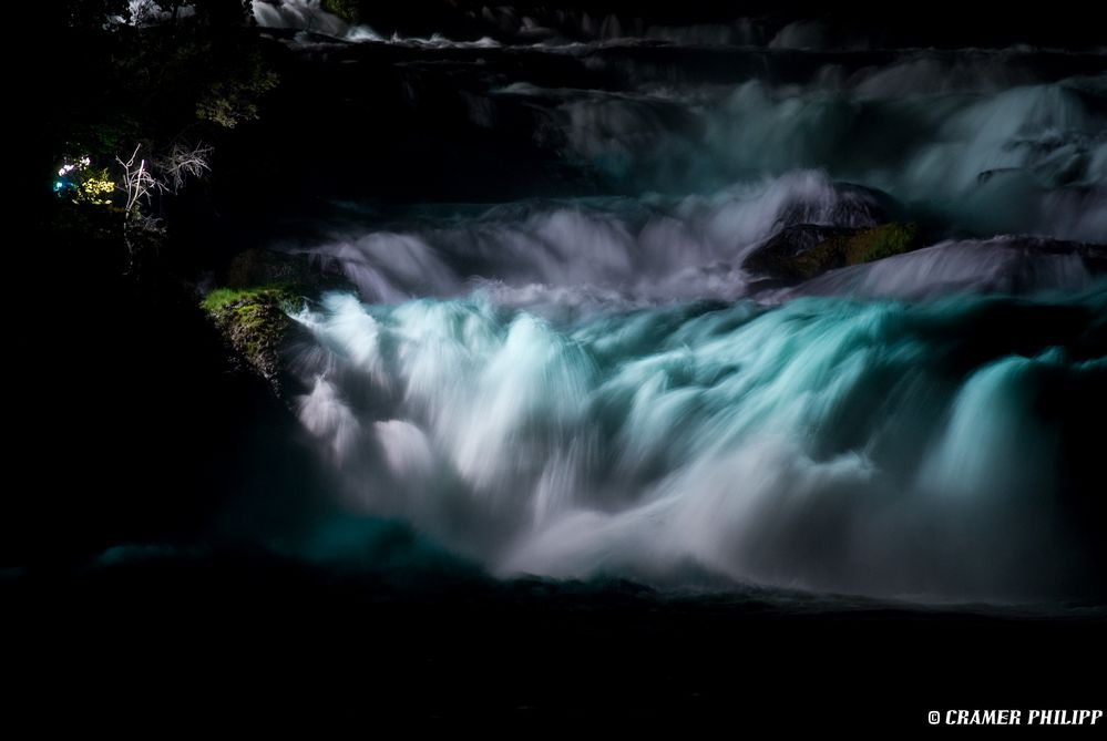 Rheinfall bei Nacht