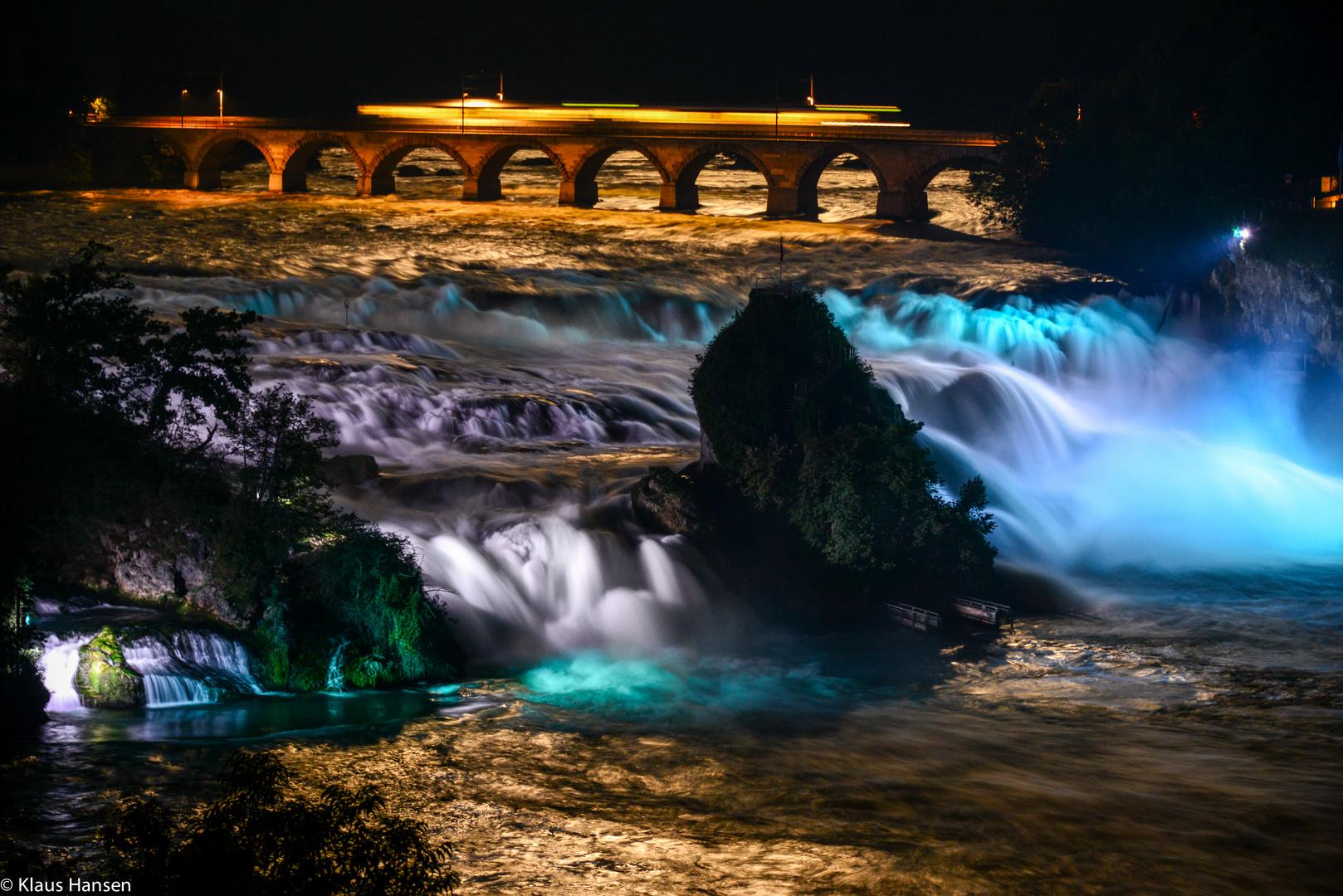 Rheinfall bei Nacht und Vollmond