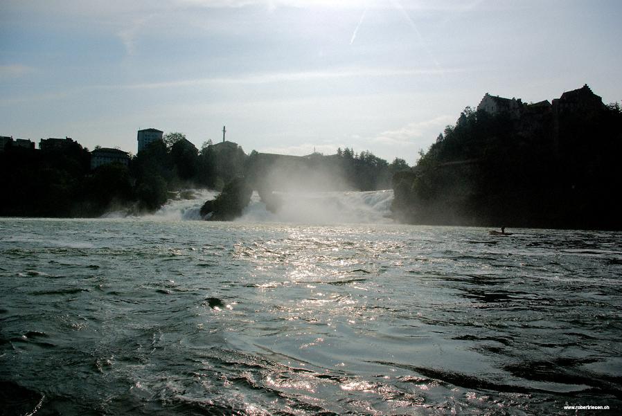 Rheinfall im Gegenlicht