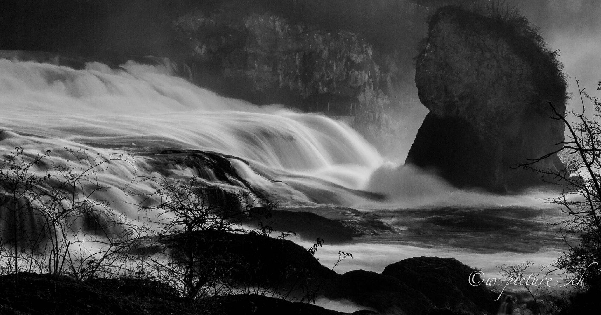 Rheinfall mit Graufilter 2