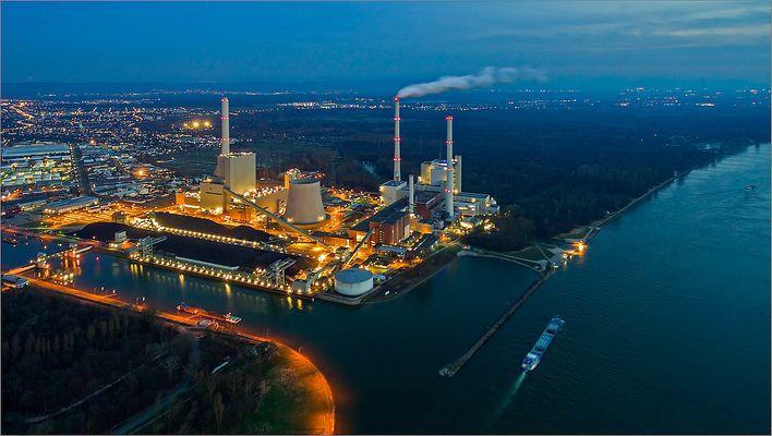 Rheinhafen-Dampfkraftwerk Karlsruhe@night