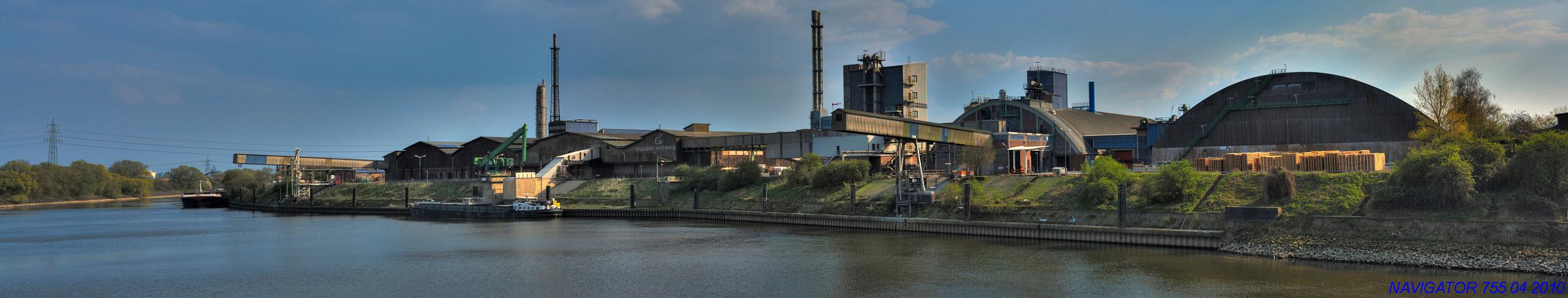 Rheinhafen - Krefeld - Uerdingen II / HDR - Pano, Bitte scrollen!