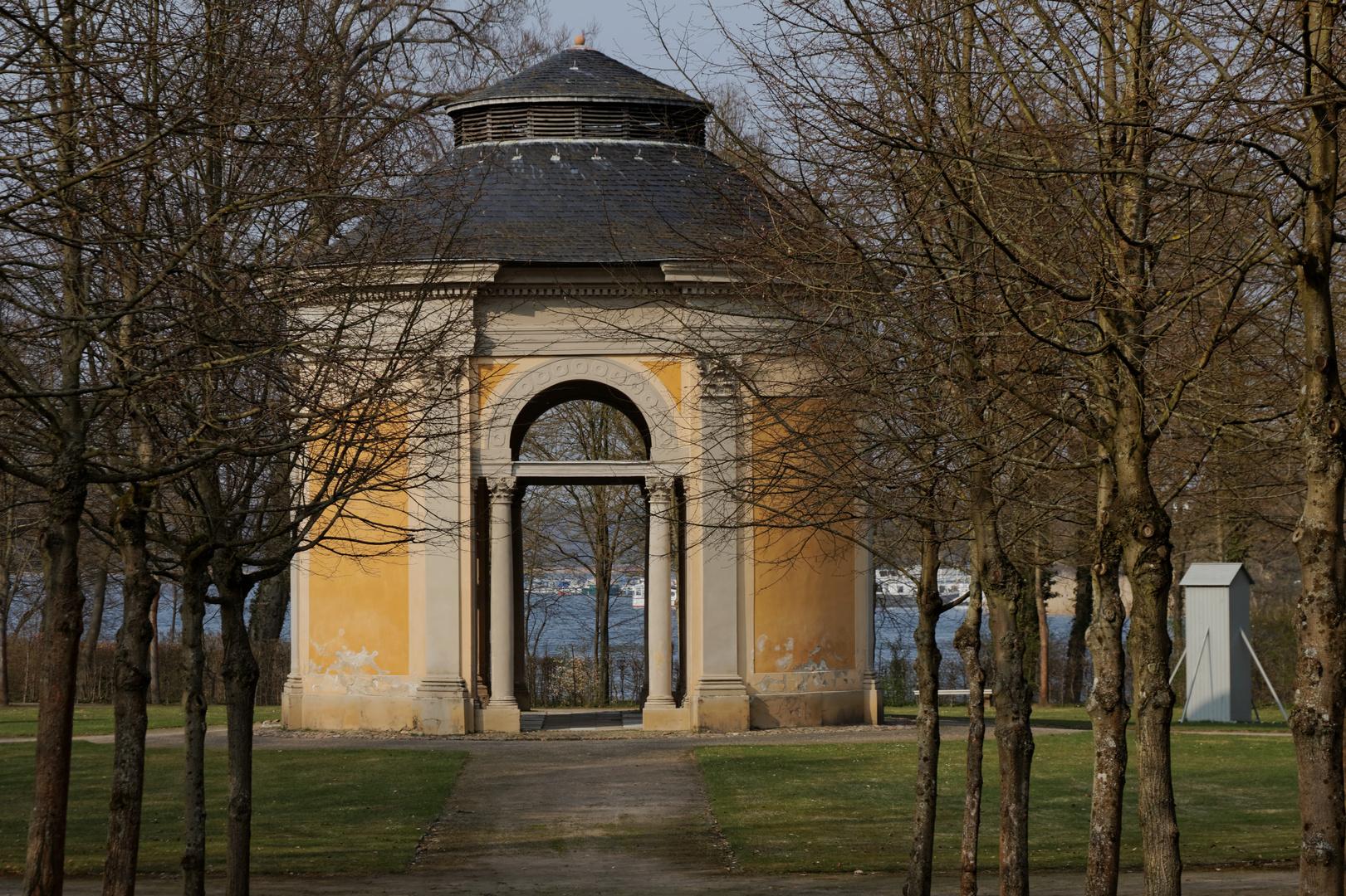 Rheinsberg III