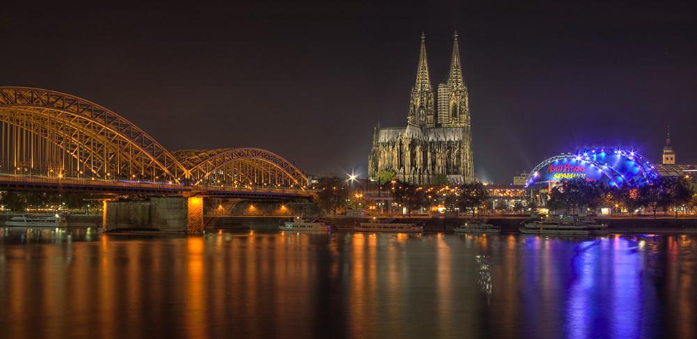 Rheinufer bei Nacht