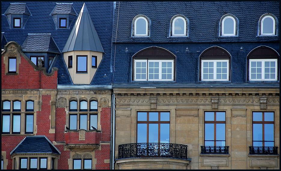 Rheinuferfassaden in Köln.