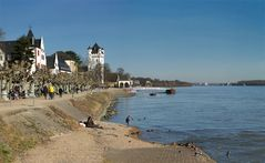 Rheinuferpromenade von Eltville
