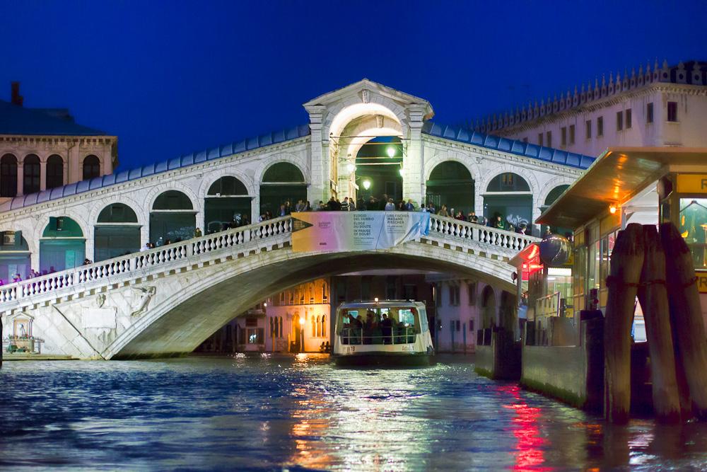 Rialtobrücke abends