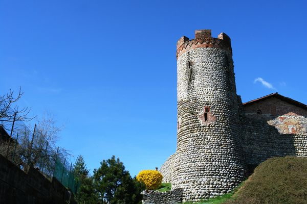 Ricetto di Candelo in Piemonte,la torre del borgo medioevale