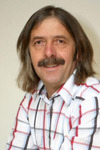 Richard E Buggelsheim