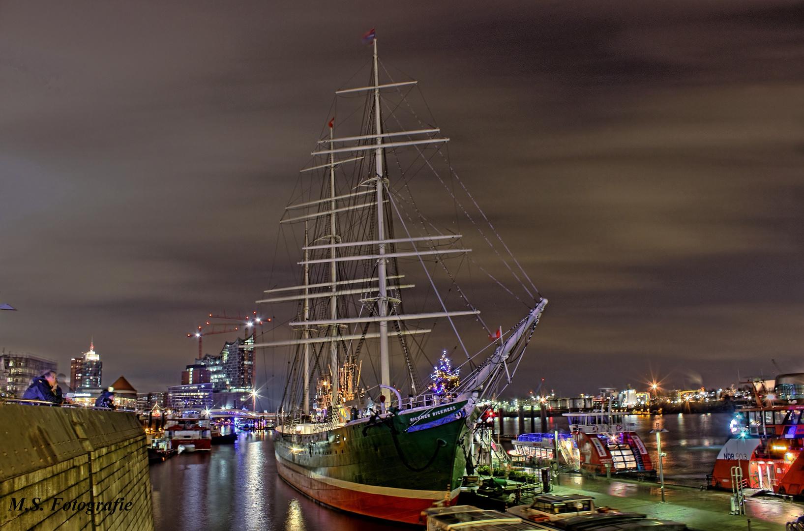 Rickmer Rickmers im HH Hafen
