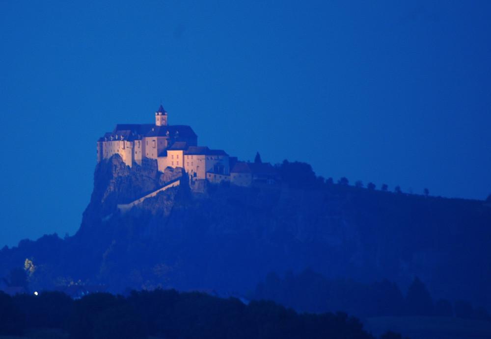 Riegersburg in der blauen Stunde