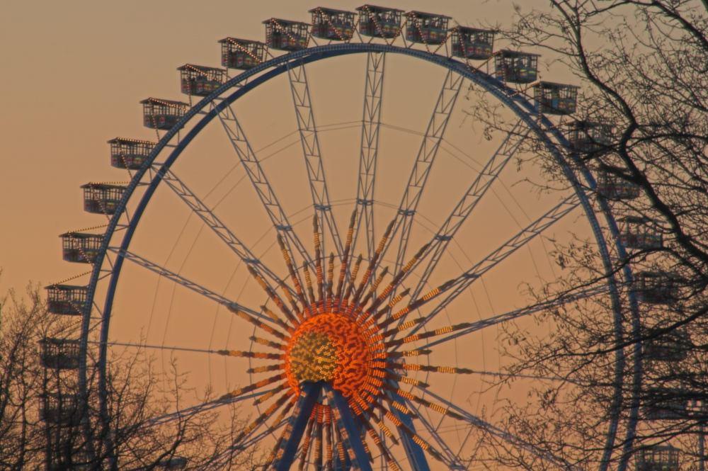 Riesenrad auf dem Frühlings-Dom