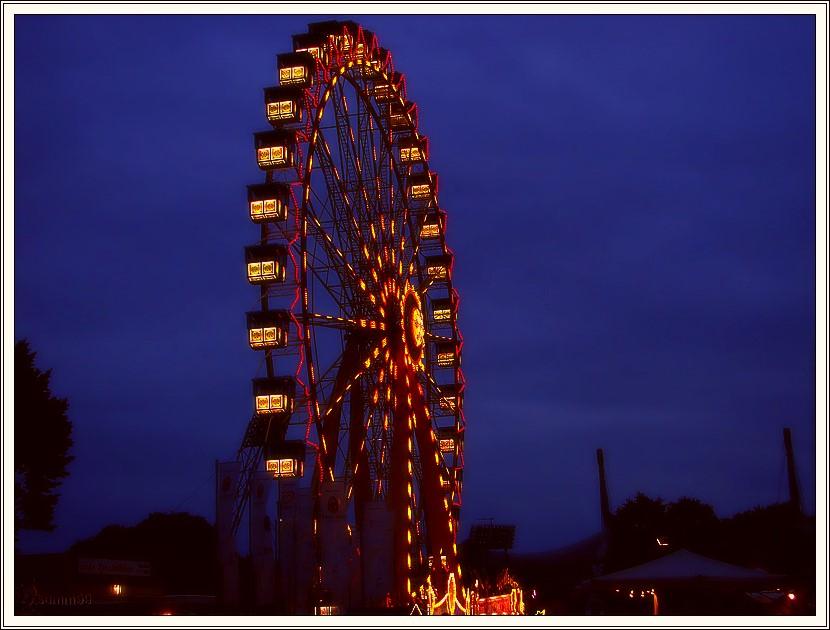 Riesenrad auf dem Sommerfest