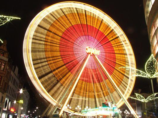 Riesenrad auf dem Sternschnuppenmarkt Wiesbaden