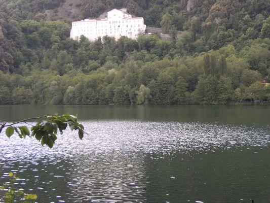 riflessi a Monticchio (Potenza)