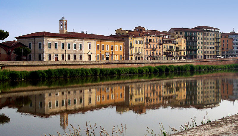 .....riflessi nell'Arno,,,,,