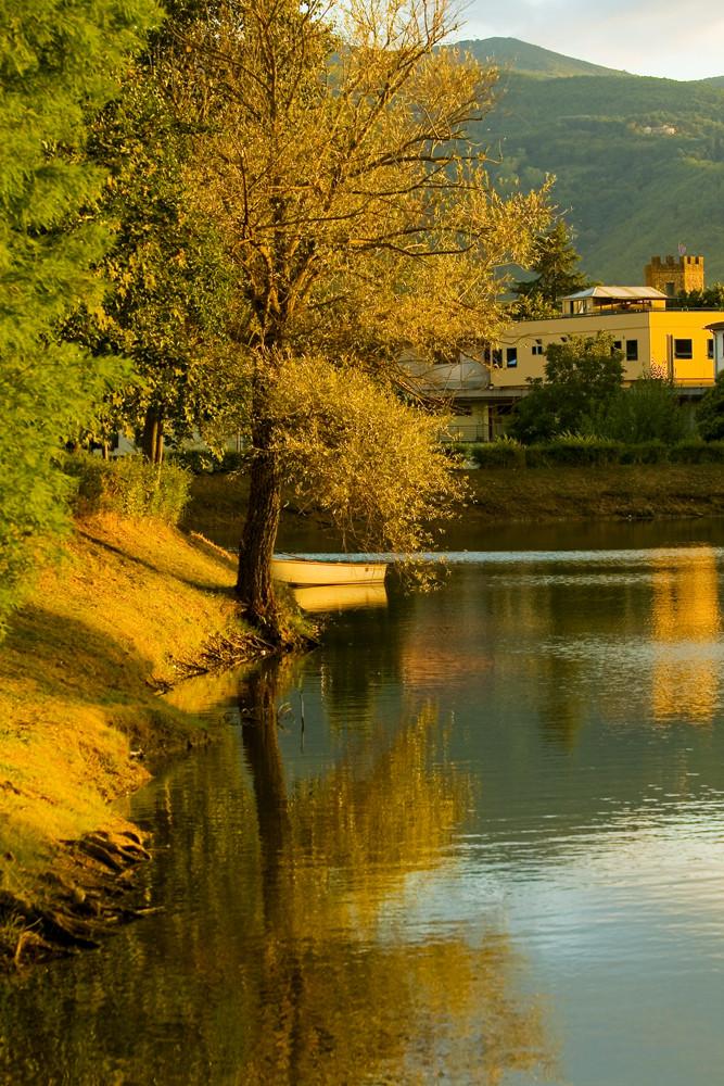 Riflesso sul lago foto immagini europe italy vatican for Disegni casa sul lago