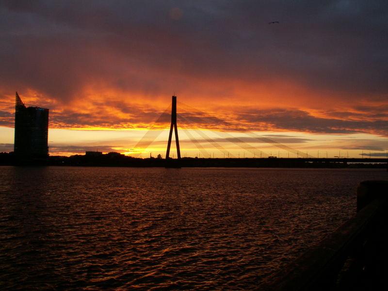 Riga - Brücke beim Sonnenuntergang