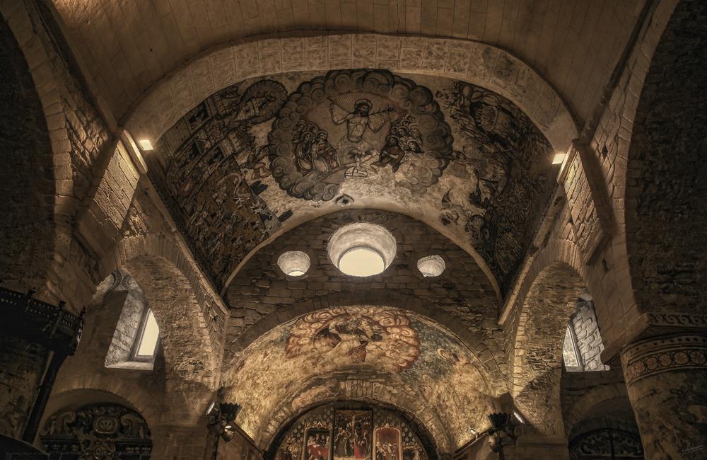 Rincones idílicos de montaña ( Pinturas Románicas 2 Santa Maria d'Artíes Lleida Catalunya )