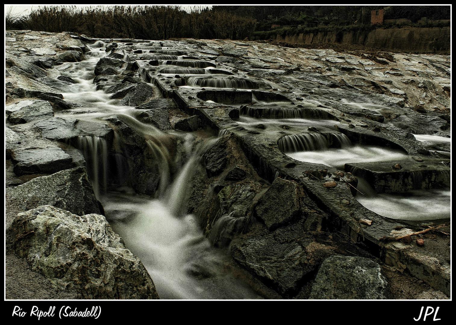 Río Ripoll, a su paso por Sabadell