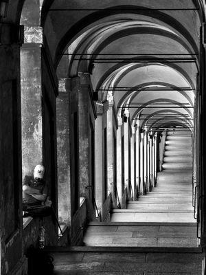 riposo tra i portici