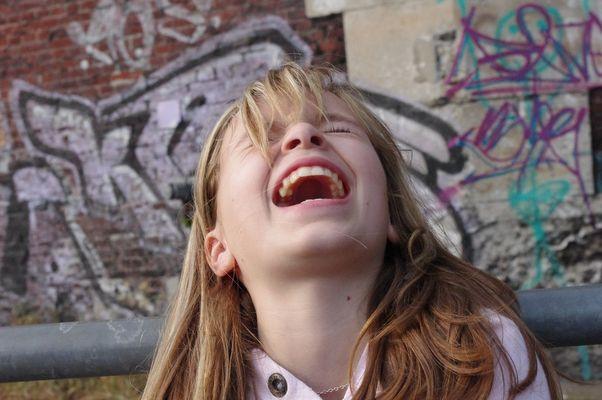 Rire aux éclats