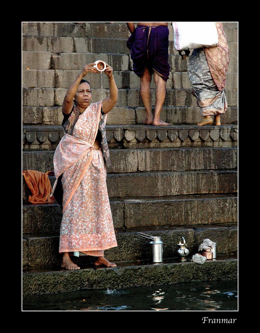 Ritual junto al Ganges