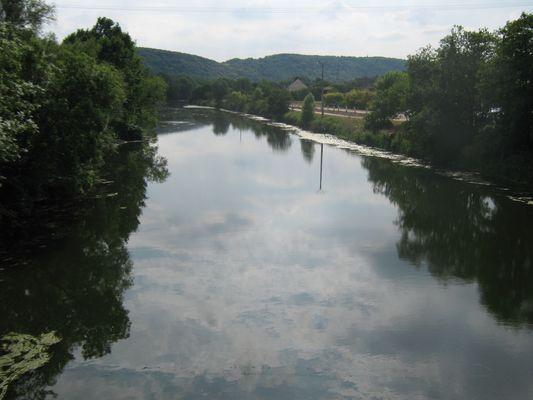 Rivière à Bennecourt dans les Ivelyne près de Paris