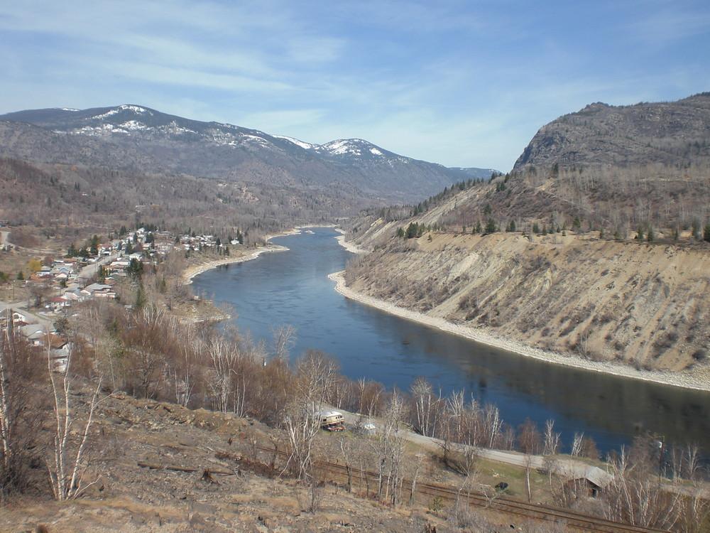 Road to Castlegar BC Columbia River